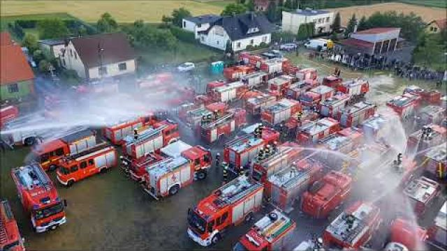 Wielki prysznic - X Fire Truck Show